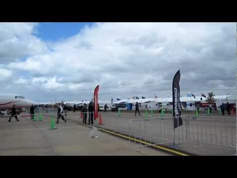 Avalon International Air Show Trade Show 2013 - Jet twirl and upright impressive forces
