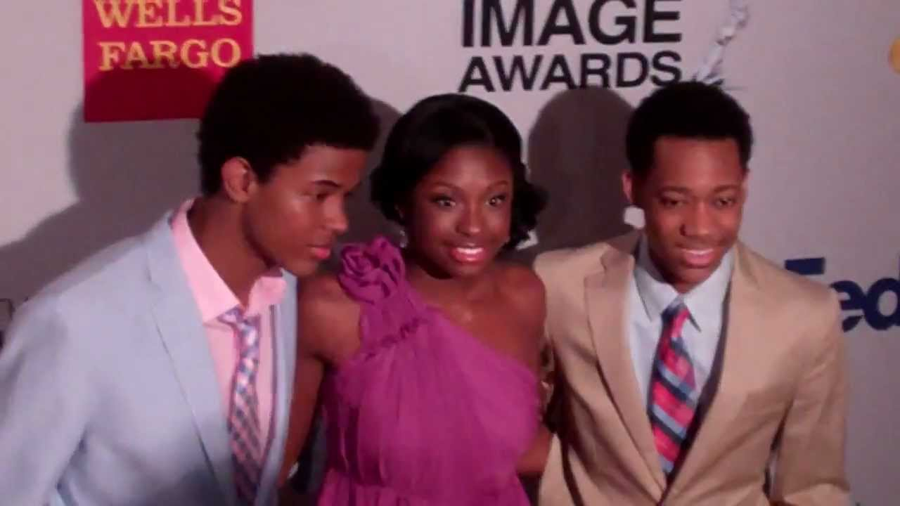 Is tyler james williams dating coco jones