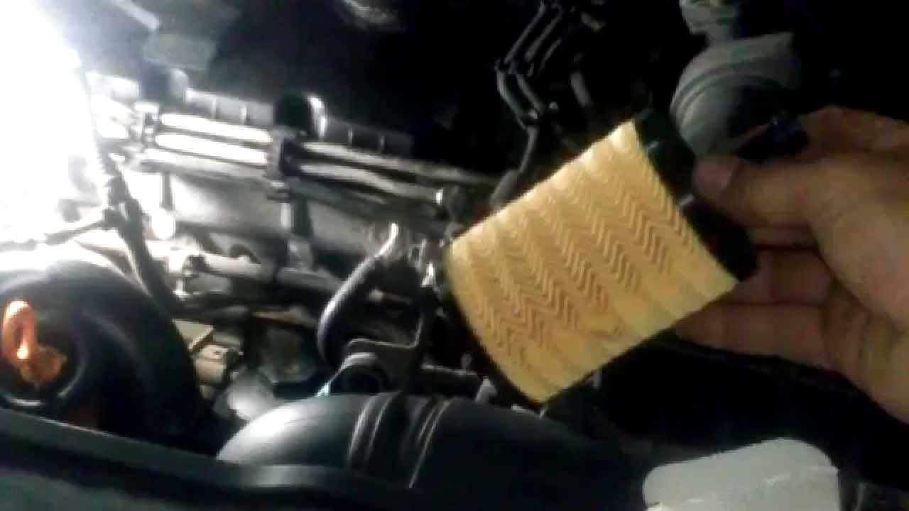 Audi Of Orlando >> cambio filtro aceite motor vw golf v, audi.¡¡aqui!! - YouTube