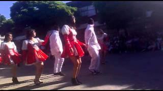 Mi curso  bailando Saya :) Liceo amador neghme 2011