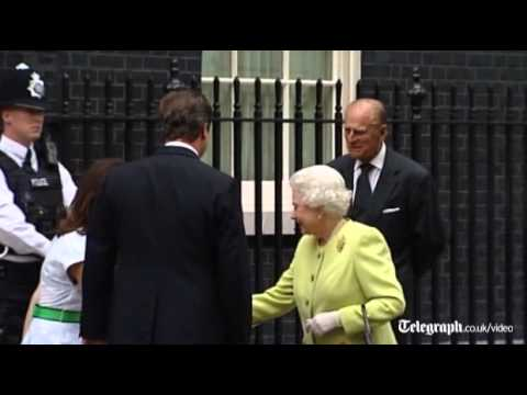Queen makes a rare visit to Downing Street