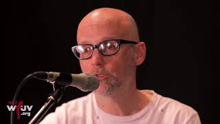 """Moby - """"This Wild Darkness"""" (Live at WFUV)"""