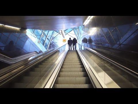 Poland, Warsaw, metro ride from Rondo Daszyńskiego to Rondo ONZ, 2X elevator, 1X escalator