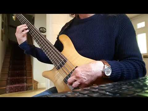 tuning-a-bass-guitar-without-a-tuner