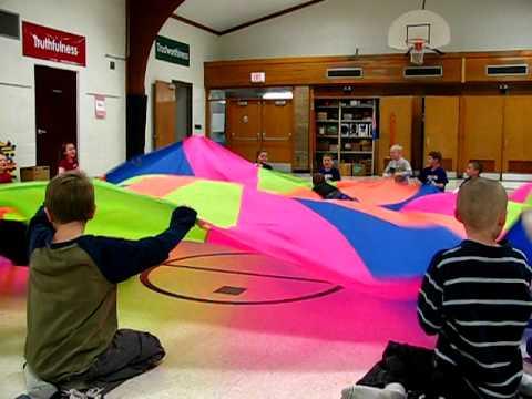 Pe Parachute Game Cat And Mouse Youtube