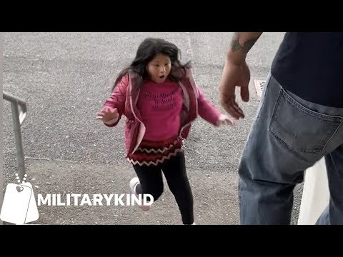 Army sergeant hugs wife and kids after six months overseas   Militarykind