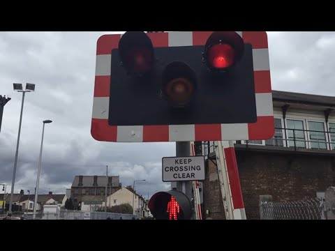 Gillingham Level Crossing, Kent - Revisited! (23/04/2016)