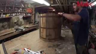 Как сделать деревянное ведро своими руками.(Процесс изготовления деревянного ведра, своими руками. Канал автора — https://www.youtube.com/user/makemagazine., 2014-09-10T10:14:35.000Z)