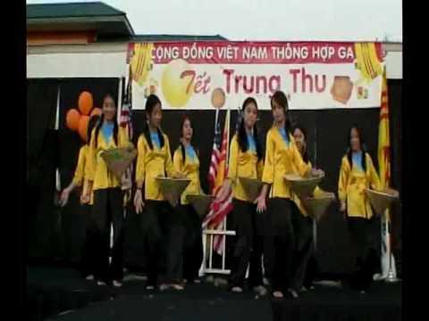 Hoa Van No Tren Duong Que Huong