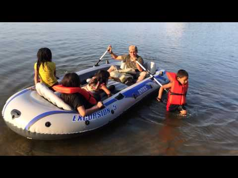 Intex Excursion 5, testing our new inflatable boat, probando
