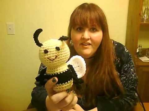 Adorable little crochet bee girl (free amigurumi pattern   Crochet ...   360x480