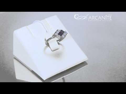 Золотое кольцо с александритом и фианитами ZT-700047