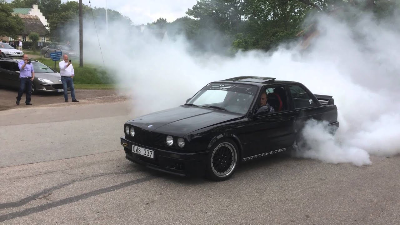 Wedding - PBH style. BMW e30 turbo burnout - YouTube