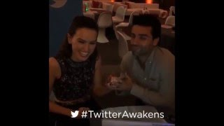 Daisy Ridley and Oscar Isaac sing together (Baby, It's Cold Outside) #TwitterAwakens