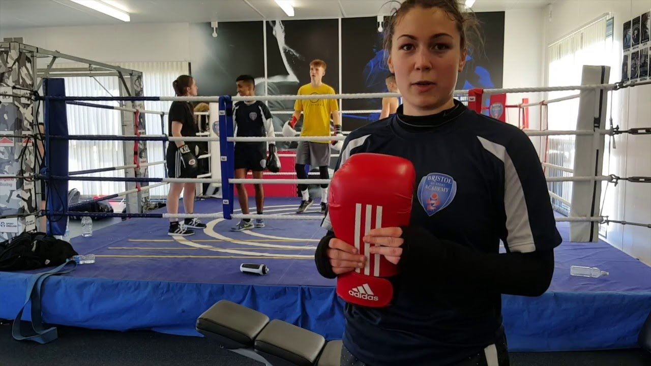 Adidas guantes de boxeo Review disponible en tres colores YouTube