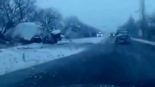 СТРАШНОЕ ДТП АВТОБУСА С ДЕТЬМИ И ГРУЗОВИКА В ХМАО / A terrible accident with the kids and truck