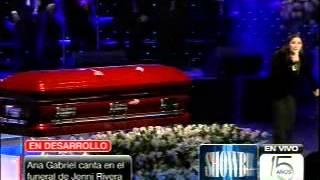 Ana Gabriel canta en Funeral a Jenni Rivera (Paloma Negra)