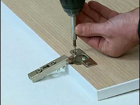 C mo instalar una bisagra en una puerta youtube for Como poner una puerta de madera