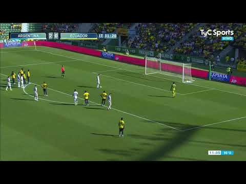 Paredes y Martínez se pelearon por un penal, se abrazaron en el gol pero Scaloni los reemplazó