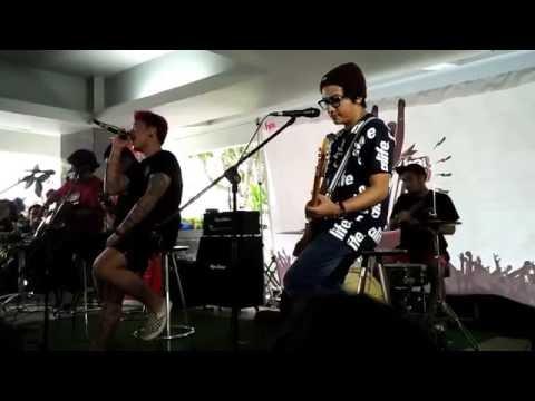 Kertas Dan Pena - Pee Wee Gaskins (Live Accoustic At Hai)