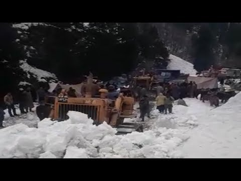 Snow clearance at Zojila pass in full swing