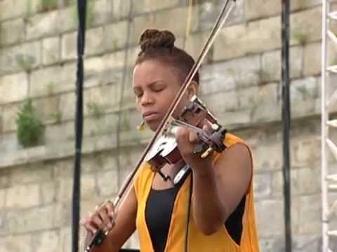 Regina Carter - Full Concert - 08/15/98 - Newport Jazz Festival (OFFICIAL)
