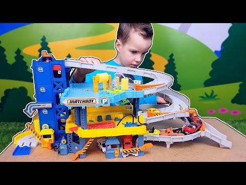 Cмотреть видео Трек с машинками Большой гараж Matchbox Пожарная и полицейская Kids cars and trucks. Nick Turbo