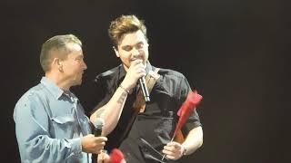 Gambar cover Luan Santana compra todas as rosas de um Sr em Paulínia