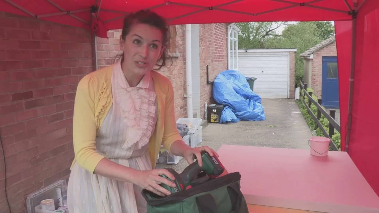What Does Nessa Doran O Reilly Keep In Her Toolbox Youtube
