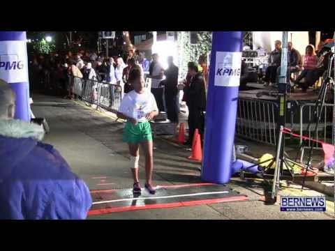 Middle School Girls Race At Front Street Mile, Jan 18 2013