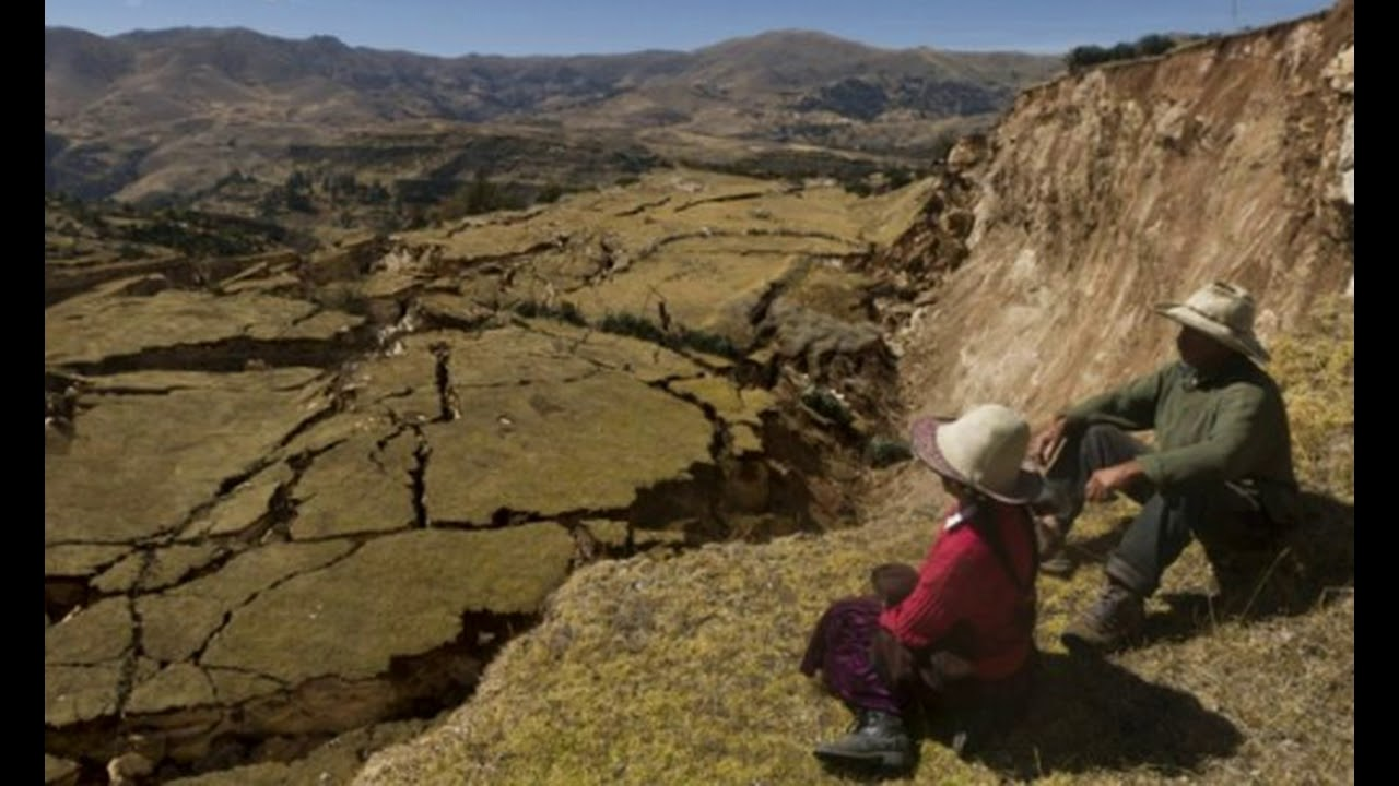 whoa-town-swallowed-by-huge-cracks-and-massive-landslide-in-peru-state-of-emergency-extended