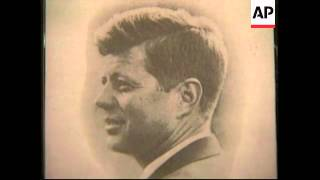 USA: NEW YORK: XMAS CARD SIGNED BY PRESIDENT KENNEDY AUCTIONED