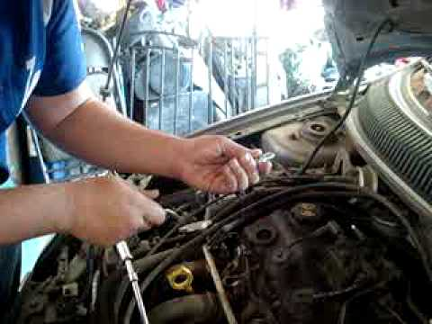 How To Change Spark Plugs For A 2005 Dodge Neon Youtube