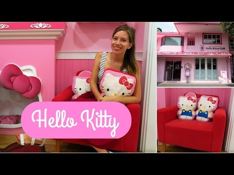 Hello Kitty Cafe in Seoul, Korea (헬로키티카페): Korean Dessert (디저트) and Coffee
