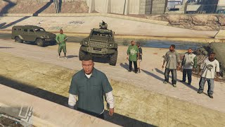 GTA 5 - Gang members (bodyguards) riot