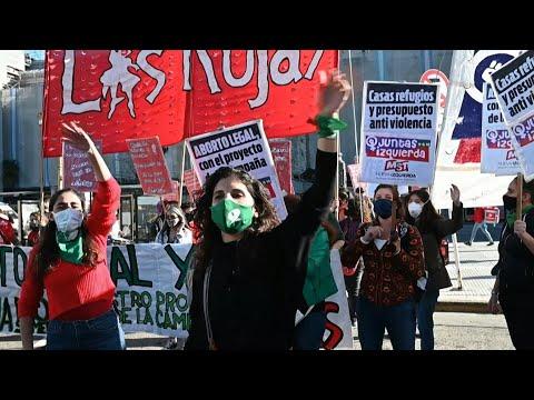 afpes: Pañuelazo verde en Argentina por el aborto legal en medio de pandemia | AFP