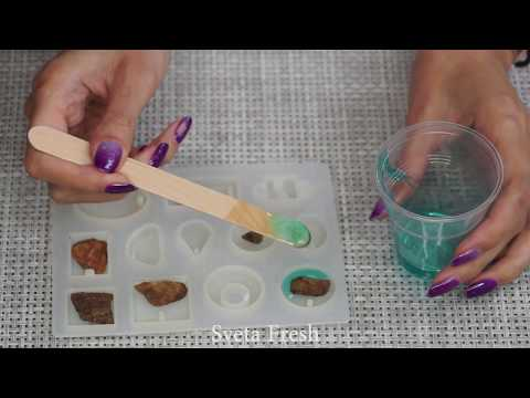 PENDANTS MADE OUT OF AN EPOXY RESIN / 7 CHEAP AND EASY DIY JEWELRY IDEAS