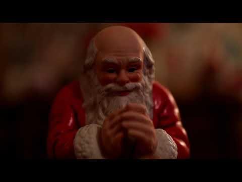 A Very Sappy 'Merry Christmas' Video