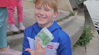 Снова нашли 100 Евро оставленные ведущими передачи Орел и Решка  На это раз   в Париже