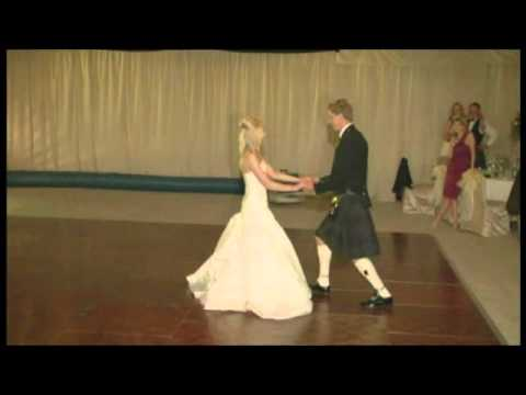 Emma and Roberts beautiful First Dance - Iris