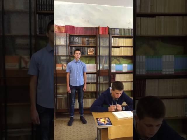 Изображение предпросмотра прочтения – ИванСтудитов читает произведение «Густой зелёный ельник у дороги» И.А.Бунина