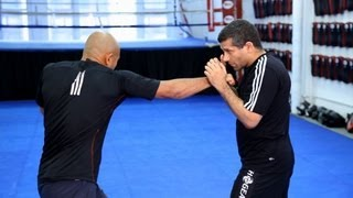 How to Do Basic Strike Combinations | MMA Fighting