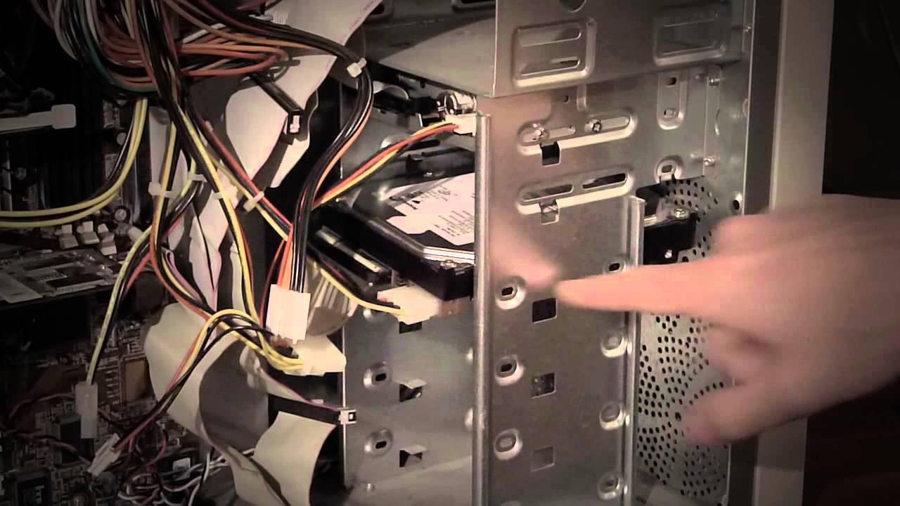 Как заменить жесткий диск ноутбука на SSD накопитель, на примере .