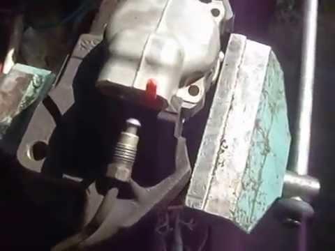 замена переднего тормозного цилиндра ВАЗ 2106