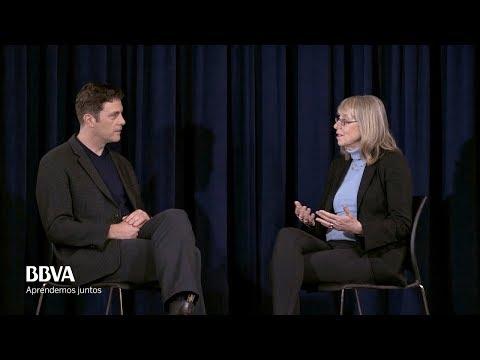 """V.O. Complete. Esther Wojcicki: """"Media literacy"""""""