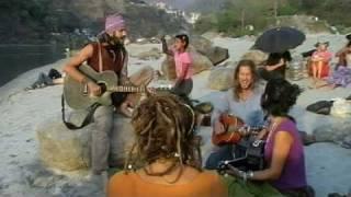 Singing mantra's at Ganges River.