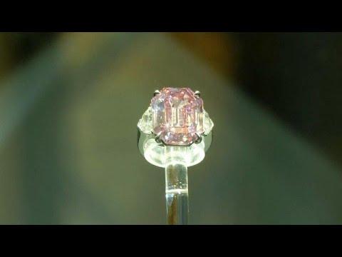 فيديو: الألماسة الوردية -بينك ليغاسي- تباع بمبلغ 50 مليون دولار في مزاد كريستيز…  - نشر قبل 47 دقيقة