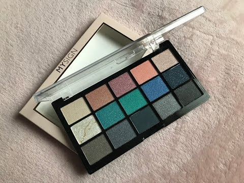 Makeup Revolution My Sign Eyeshadow Palette / Air