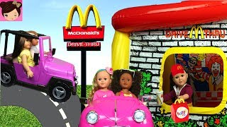 Barbie & AG Dolls Working in Mc Donalds Drive Thru - First day of Work Fail