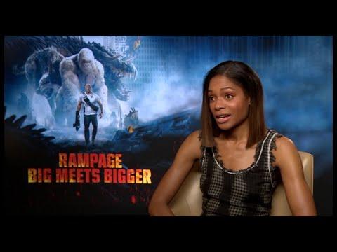 النجمة Naomie Harris تتحدث عن فيلم RAMPAGE مع Raya Abirached في Scoop with Raya